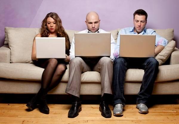 Stress im Großraumbüro: Das Recht auf ungestörtes Arbeiten